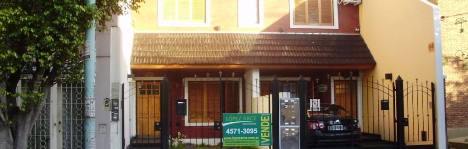 Baigorria 4200. Duplex en 3 plantas Excelente